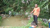Luapan air Sungai Kampar memakan korban jiwa. Seorang balita berusia 4 tahun ditemukan tak bernyawa karena terseret derasnya sungai yang membelah Kabupaten Kampar. (Liputan6.com/ Sungai Kampar)