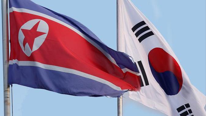 Bendera Korea Utara dan Korea Selatan berkibar berdampingan - AFP#source%3Dgooglier%2Ecom#https%3A%2F%2Fgooglier%2Ecom%2Fpage%2F%2F10000