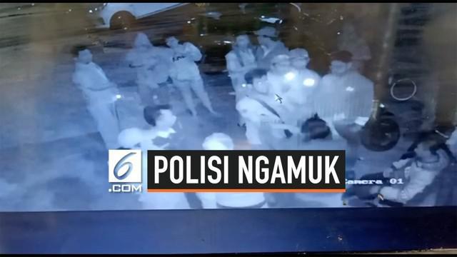 Seorang pria yang mengaku Polisi mengamuk di sebuah tempat karaoke di Semarang, Jawa Tengah. Ia bahkan sempat mengacungkan pistol kepada pengelola tempat karaoke.