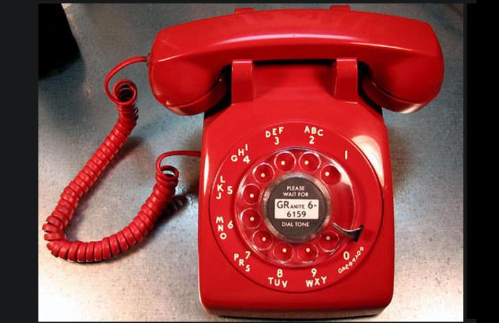 Telepon rotary alias telepon putar (Sumber: CBS News)