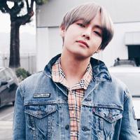 Awalnya pemilik nama Kim Taehyung ini diyakinkan oleh seorang staff agar ikut audisi. Meskipun tak tertarik, akhirnya ia pun mau mencobanya. (Foto: instagram.com/btstae)