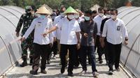 Anatan Menteri Kelautan dan Perikanan Sakti Wahyu Trenggono. berkunjun ke Kampung Daram, Kebumen (Foto: iputan6.com hummas Pemkab Banyumas)