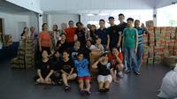Para relawan, alumni dan anak Panti Asuhan Hati Suci.