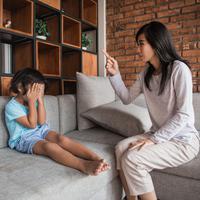 Dampak kekerasan verbal pada anak./Copyright shutterstock.com/g/oduaimages