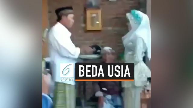Viral di media sosial, pernikahan beda usia yang kembali terjadi di Indonesia. Pernikahan beda usia ini terjadi di Lombok Barat, beda usia pengantin terpaut sangat jauh. Pengantin laki-laki berusia 57 tahun, sementara pengantin perempuan berusia 16 t...