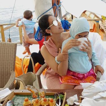 7 Gaya Liburan Happy Salma di Atas Kapan Bersama Keluarga