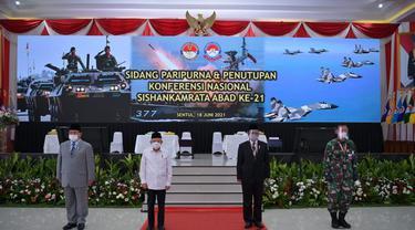 Wakil Presiden Ma'ruf Amin menghadiri penutupan konferensi nasional sistem pertahanan dan keamanan rakyat semesta (Sishankamrata) abad ke-21 di Universitas Pertahanan