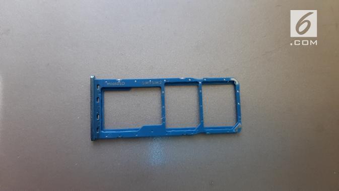 SIM Card Tray pada Galaxy A50 (Liputan6.com/ Agustin Setyo W)