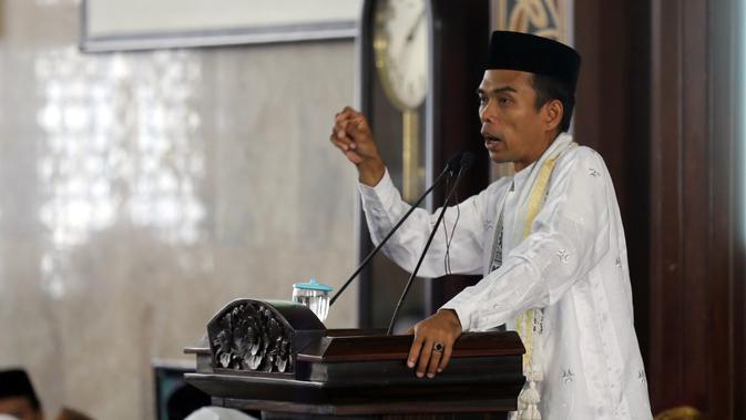 Ustaz Abdul Somad (Nurwahyunan/bintang.com)