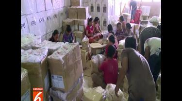 Komisi Pemilihan Umum (KPU) Medan menargetkan proses distribusi logistik pemilu Selesai pada sore hari nanti.