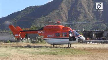 Evakuasi sisa korban para pendaki terjebak di gunung Rinjani pakai Helikopter.