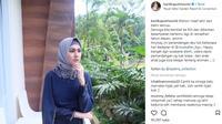 Berikut gaya hijab andalan Kartika Putri yang dibagikannya lewat akun instagram pribadinya. (Foto: instagram/kartikaputriworld)
