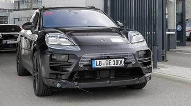 Porsche tengah melakukan pengembangan terhadap model SUV Macan