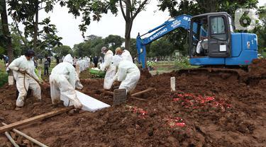 FOTO: Lokasi Pemakaman dengan Protokol COVID-19 di TPU Srengseng Sawah Hampir Penuh