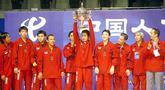 Butuh waktu yang sangat lama bagi tim bulu tangkis putra Indonesia untuk membawa pulang Piala Thomas kembali ke Tanah Air. (AFP/Goh Chai Hin)