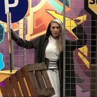 Hannah Al Rashid menjadi salah satu selebriti yang ikut dalam pemotretan 18 artis pecinta olahraga spesial ultah Bintang.com yang ke-2.