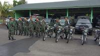Anggota TNI Korem 004/Garuda Dempo Palembang Sumsel sedang bersiap berlatih (Liputan6.com / Nefri Inge)