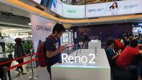 Setelah sukses menggelar launching di Jakarta pada 8 Oktober 2019 lalu, OPPO kembali memperkenalkan smartphone terbaru OPPO reno2 F secara langsung di Surabaya. (foto: © Zaki Mursidan Baldan)