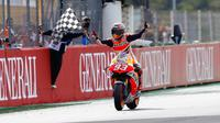 Marc Marquez saat menjadi juara dunia MotoGP 2013. (MotoGP.com)