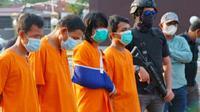 Tersangka narkoba penampung sabu dari Malaysia yang ditembak polisi karena melawan. (Liputan6.com/M Syukur)