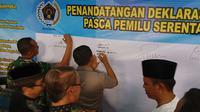 Penandatanganan deklarasi bersama menjaga keutuhan NKRI di Kabupaten Majalengka. Foto (Liputan6.com / Panji Prayitno)
