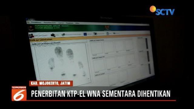Hindari polemik, Disdukcapil Mojokerto hentikan penerbitan KTP elektronik untuk WNA.