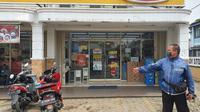 Minimarket Indomaret yang mengalami perampokan di Jalan Abdul Wahab RT3/5, Kelurahan/Kecamatan Sawangan, Kota Depok. (Liputan6.com/Dicky Agung Prihanto)