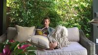 Mulai dari Mark Zuckerberg yang hobi membaca dan Richard Branson yang selalu bangun pagi.