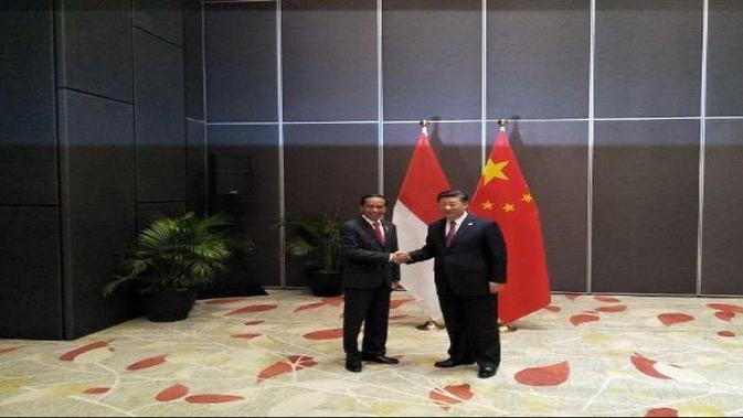 Presiden Joko Widodo bertemu dengan Presiden China Xi Jinping di KTT APEC (Foto:Liputan6.com/Septian Deny)