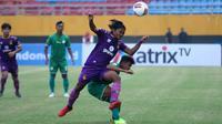Duel Persik vs PSMS di Stadion Gelora Sriwijaya, Jakabaring, Palembang, Minggu (10/11/2019). (Bola.com/Gatot Susetyo)