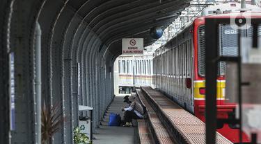 FOTO: Penerapan Protokol Kesehatan di Stasiun Jakarta Kota