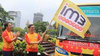 Indosat Ooredoo menghadirkan enam unit Freedom Bus yang dapat digunakan secara cuma-cuma oleh masyarakat Jakarta sejak Senin, 21 Februari hingga 22 Maret 2016. (Foto: Indosat Ooredoo).