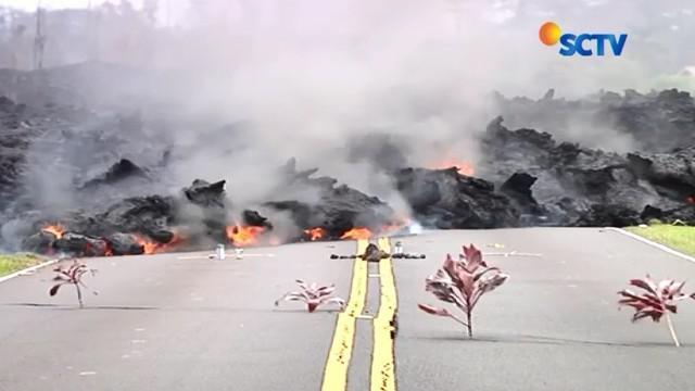 Gempa 6,9 SR yang diikuti erupsi gunung berapi menghantam Hawaii, Amerika Serikat. Aliran lahar panas ke permukiman menyebabkan ribuan penduduk harus segera meninggalkan rumahnya.