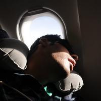 Survei ini menemukan bahwa tertidur di bahu penumpang lain sangat menggangu, begitu pula 9 hal lainnya.