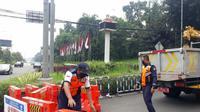 Water barrier yang disiapkan Pemkot Bogor jelang pemberlakuan PSBB. (Liputan6.com/Achmad Sudarno)