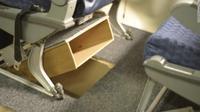 Kini penumpang pesawat tak perlu repot lagi mencari tempat untuk menyimpan barang-barang pribadi saat berada di kabin. Foto: CNN.