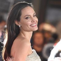 Kabar kematian Angelina Jolie dimanfaatkan pihak tak bertanggungjawab. (AFP/Bintang.com)