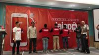 Nampak para ojek Jajap Garut tengah menggunakan jaket kebanggan saat launching produk kemarin (Liputan6.com/Jayadi Supriadin)