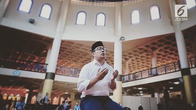 Menang hitung cepat di Pilkada Jabar 2018, Ridwan Kamil ungkapkan rasa syukurnya dengan mengunggah momen ini.