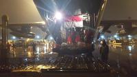 Pesawat Hercules pengangkut alkes Covid 19 tiba di Batam. (Istimewa)