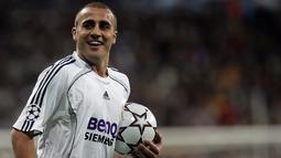 Alhasil ia dinobatkan sebagai pemain terbaik di Piala Dunia 2006 yang membuat Madrid ingin menggunakan jasanya. Dana 10 juta euro dikeluarkan Madrid demi merayu Juventus yang saat itu tengah terpuruk. (AFP/Bru Garcia)