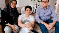 Kenangan Irwansyah dan Ibunda. (Instagram/@irwansyah_15)