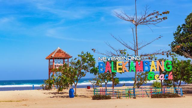 7 Wisata Pantai Malang Terkenal Dengan Pemandangan Indah Dan
