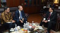 Wakil Ketua DPR RI Fadli Zon menerima kunjungan Duta Besar Aljazair H.E. Mr. Abdelkader Aziria, di Gedung DPR RI.