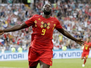 Striker Belgia, Romelu Lukaku, melakukan selebrasi usai mencetak gol ke gawang Panama pada laga Piala Dunia 2018 di Stadion Fisht, Senin (18/6/2018). Belgia menang 3-0 atas Panama. (AP/Matthias Schrader)