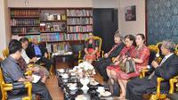 Wakil Ketua DPR RI, Agus Hermanto menerima audiensi pantia Hari Ulos.