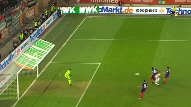 Berita video gol Augsburg ke gawang Werder Bremen dengan assist scorpion kick Raul Bobadilla. This video presented by BallBall.