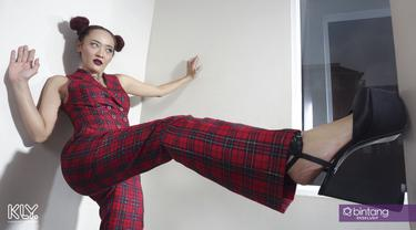 Menyimak perjalanan bermusik Inna Kamarier setelah hengkang dari Dewi Dewi. (Photographer: Bambang E. Ros/Bintang.com, Digital Imaging: Muhammad Iqbal Nurfajri/Bintang.com)