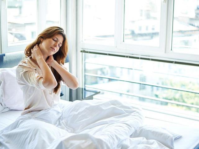 5 Cara Mengatasi Nyeri Akibat Salah Bantal Yang Mudah Dan Efektif Hot Liputan6 Com