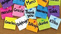 Khawatir untuk berpergian jauh hanya karena tidak menguasai bahasa asing? Simak di sini tipsnya.